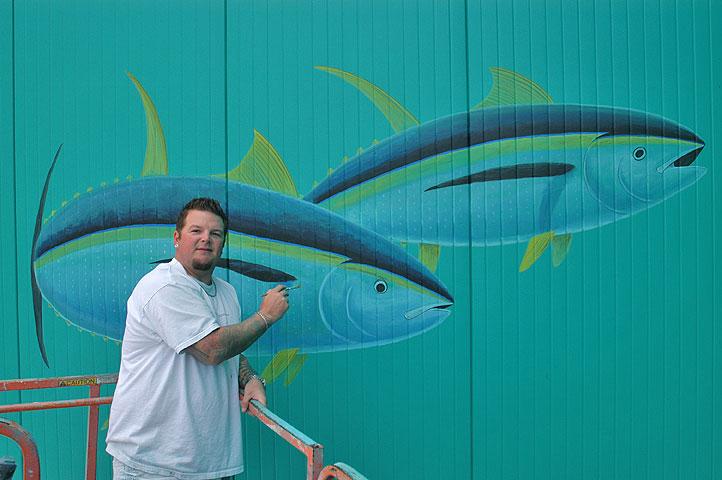 DEANO FINISHES TUNAS ON WYLAND WALL